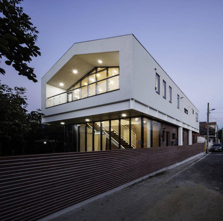 Дом Туладандасана, Южная Корея