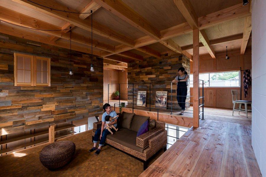 Простой элегантный дом в стиле лофт в Японии