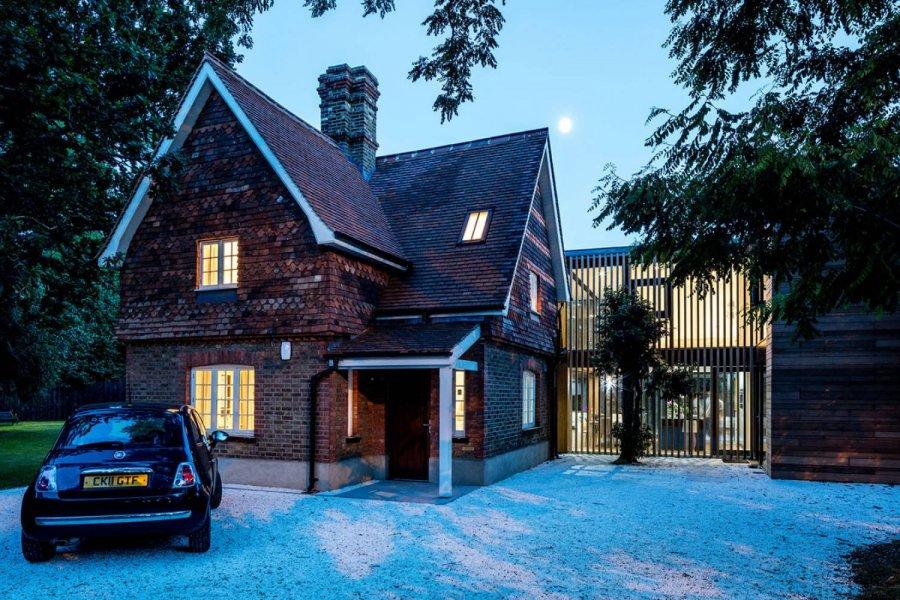 Реконструкция старинного дома в Англии