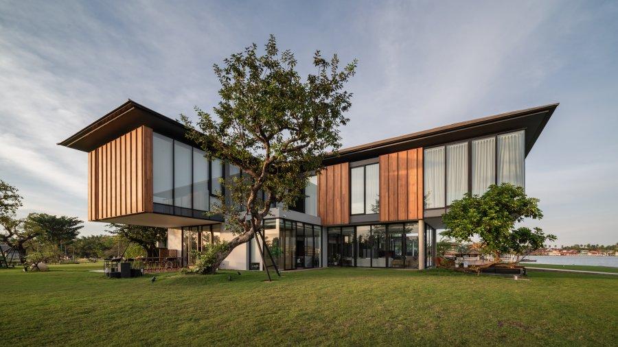 Роскошный семейный дом в современном тропическом стиле