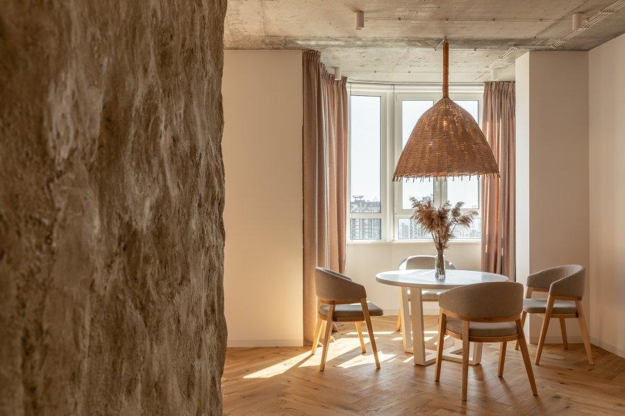 Современная квартира, стилизованная под традиционную украинскую мазанку