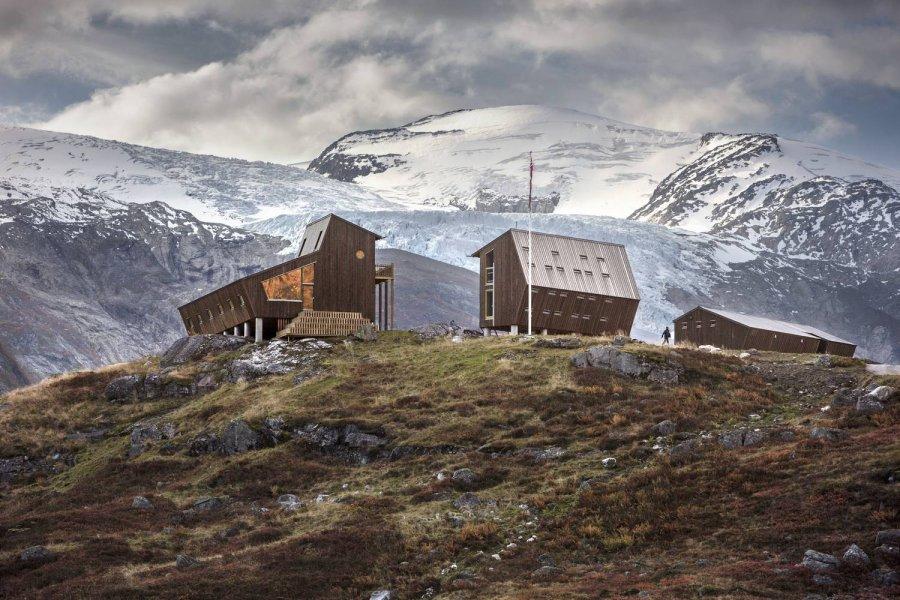 Туристический комплекс у подножия ледника, Норвегия
