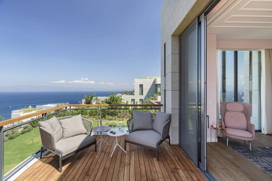 Уютная вилла с видом на Средиземное море