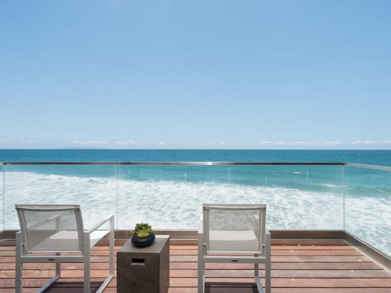 Пляжная вилла с видом на Тихий океан в США