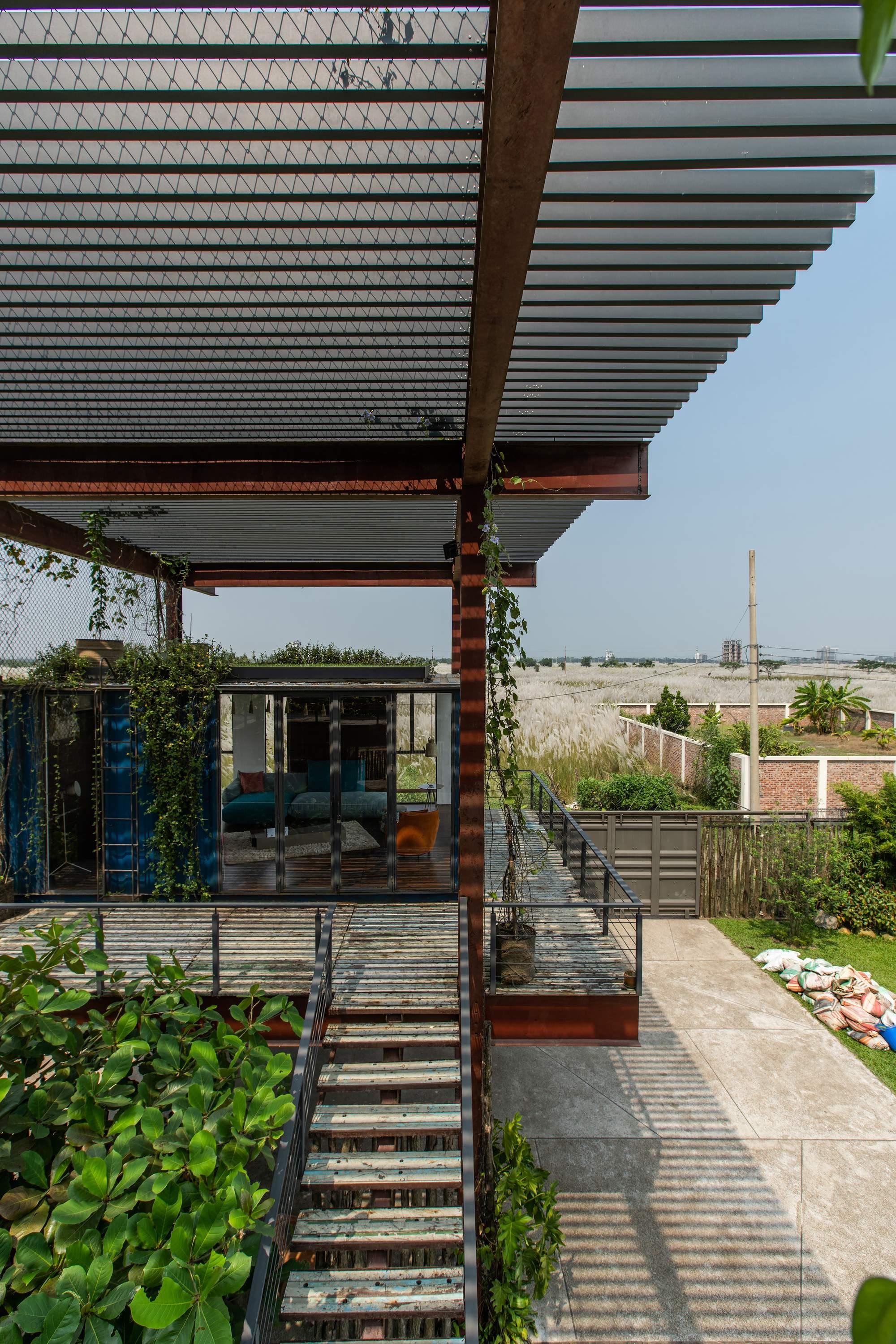 Контейнерный дом в Дакка, Бангладеш
