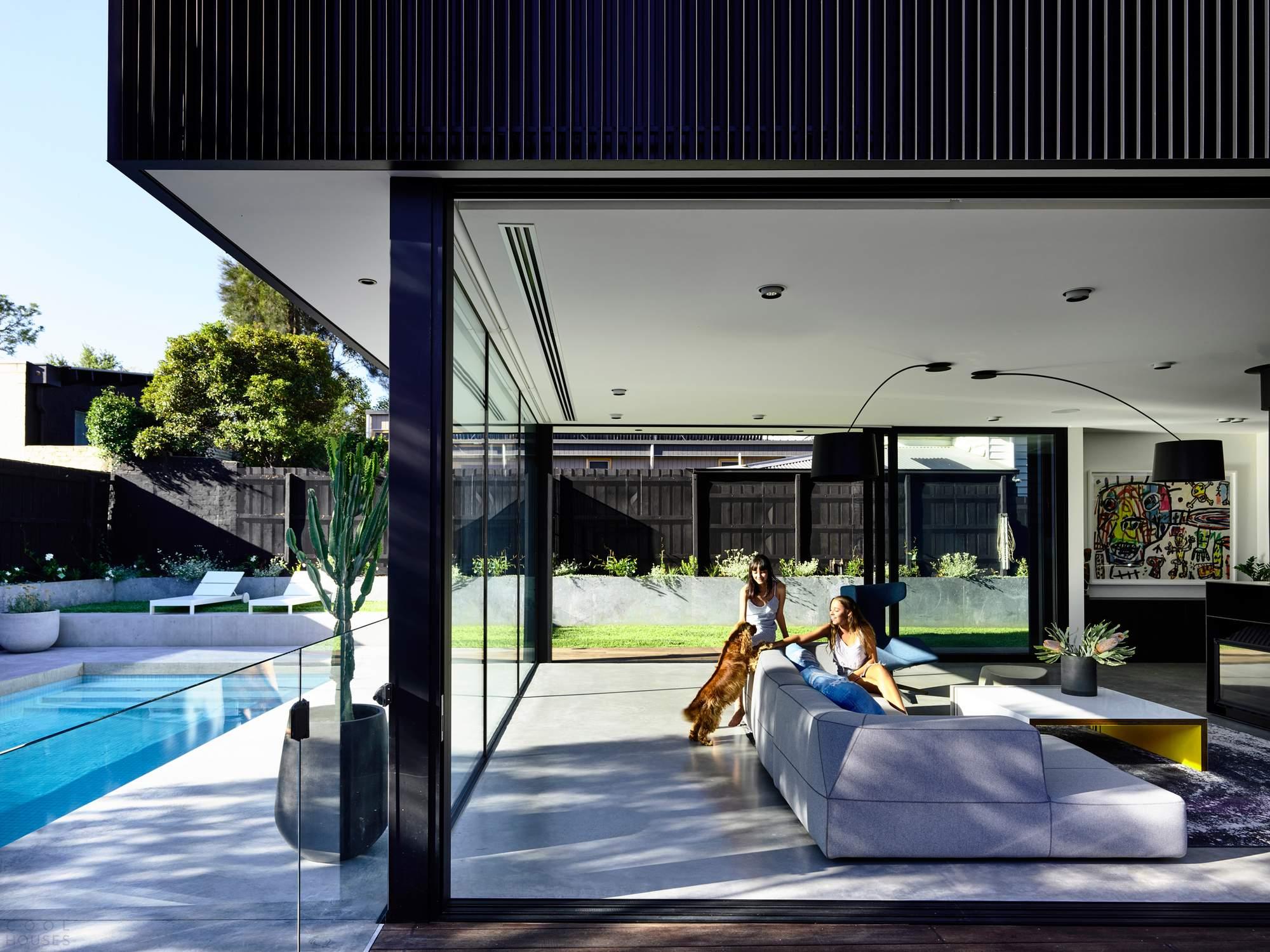 Стильный черный дом в Мельбурне, Австралия