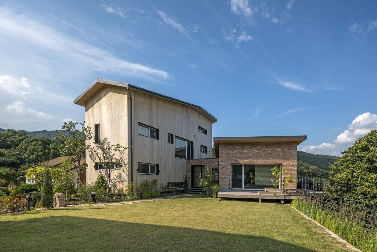 Семейный дом с использованием технологии CLT, Южная Корея