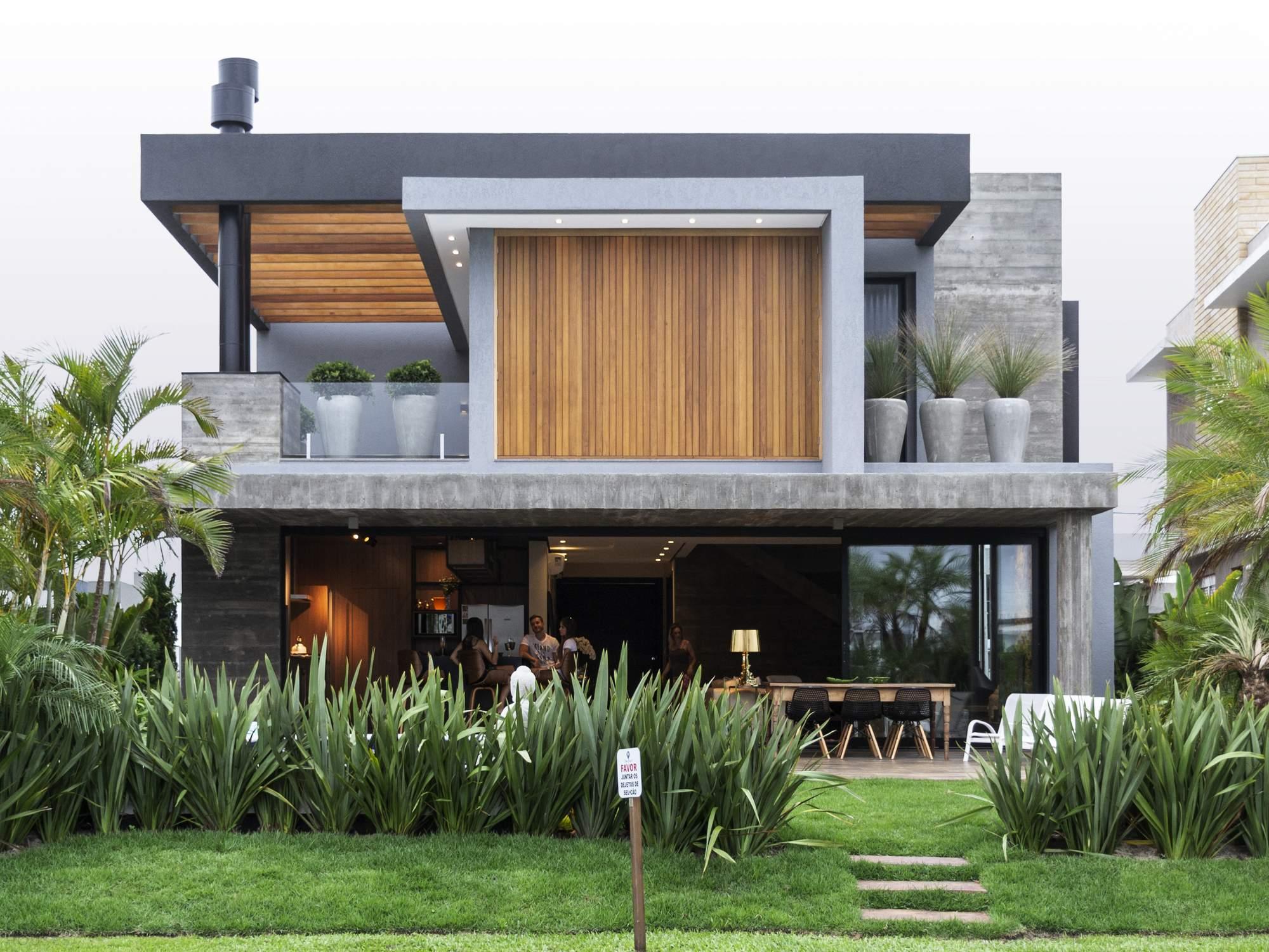 Типичный пляжный домик в Бразилии