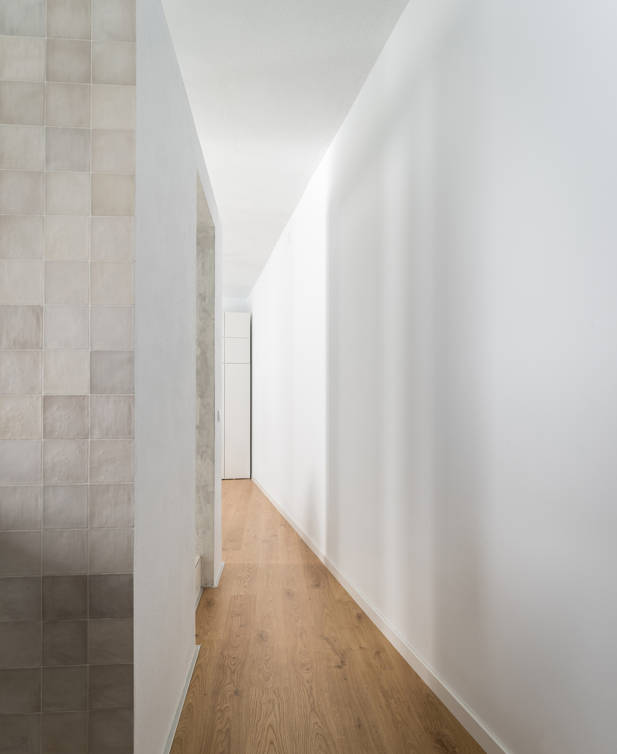 Маленькая стильная квартира с нестандартной планировкой, Испания