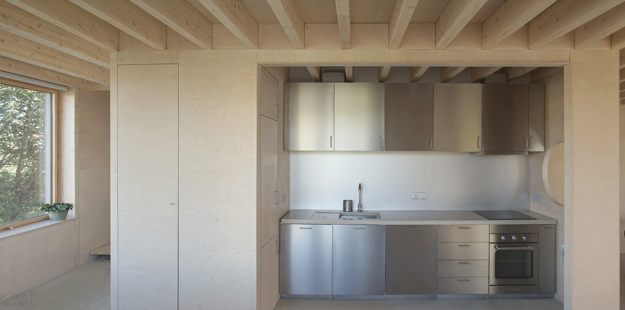 Деревянный таунхаус над гаражом, Франция