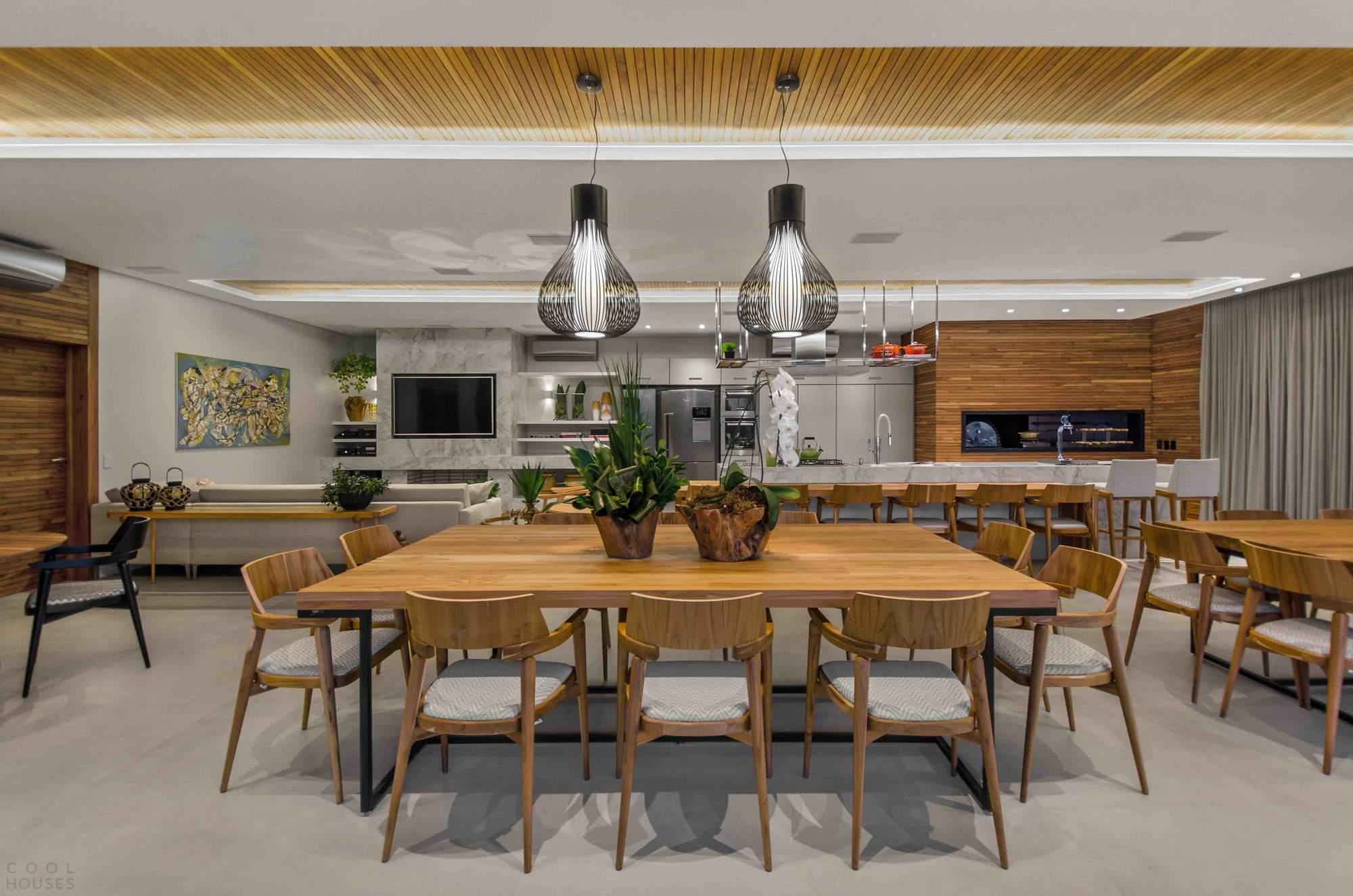 Односемейная резиденция с роскошным социальным пространством, Бразилия