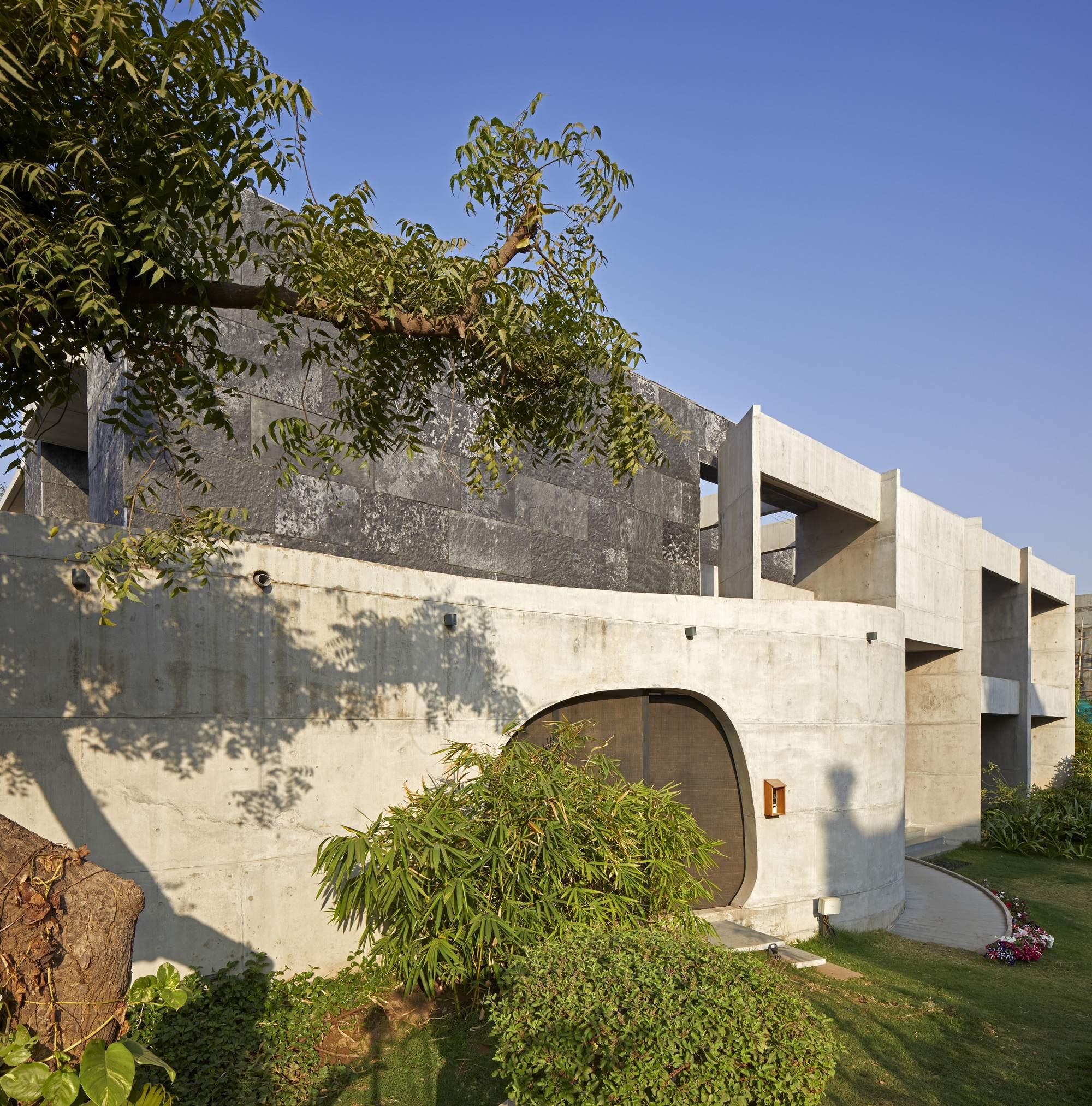 «Раздетый Дом Мебиуса», соблюдающий принципы Ваасту-шастра, Индия