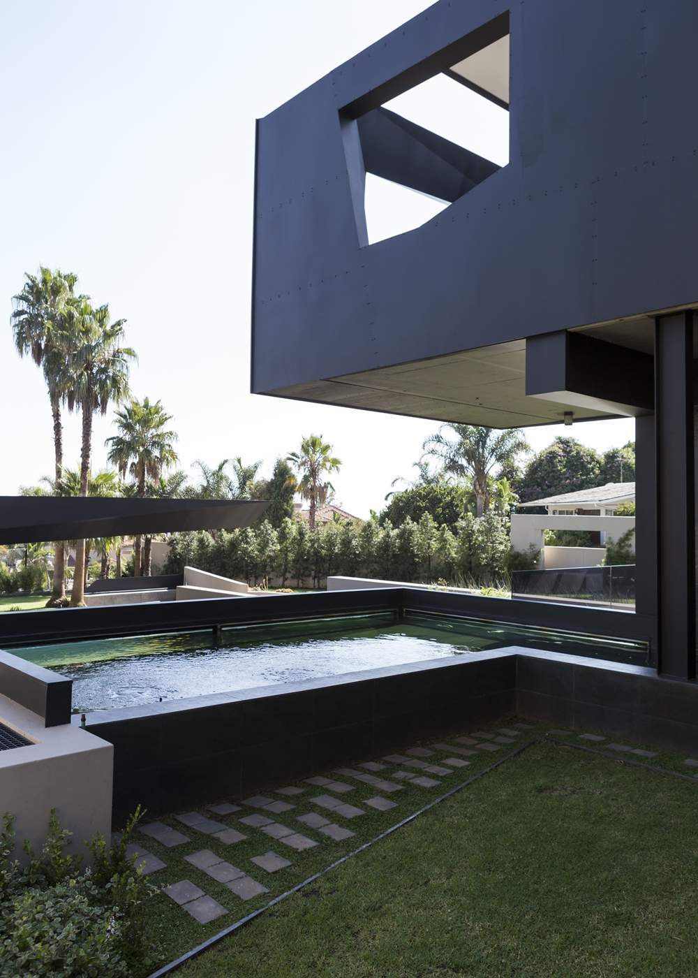 Фантастический загородный дом в стиле хай-тек в ЮАР