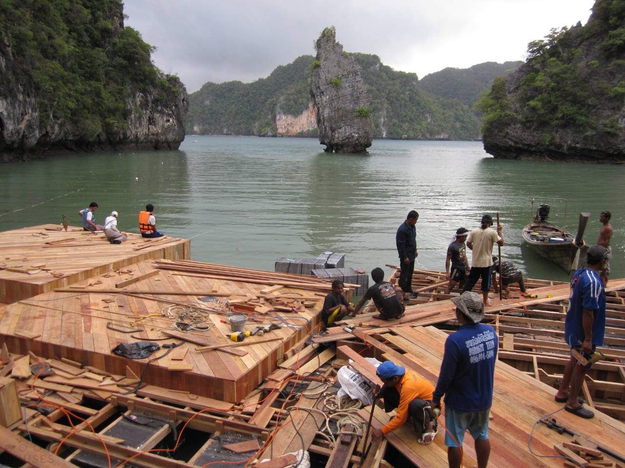 Кинотеатр, плавающий в океане, Таиланд