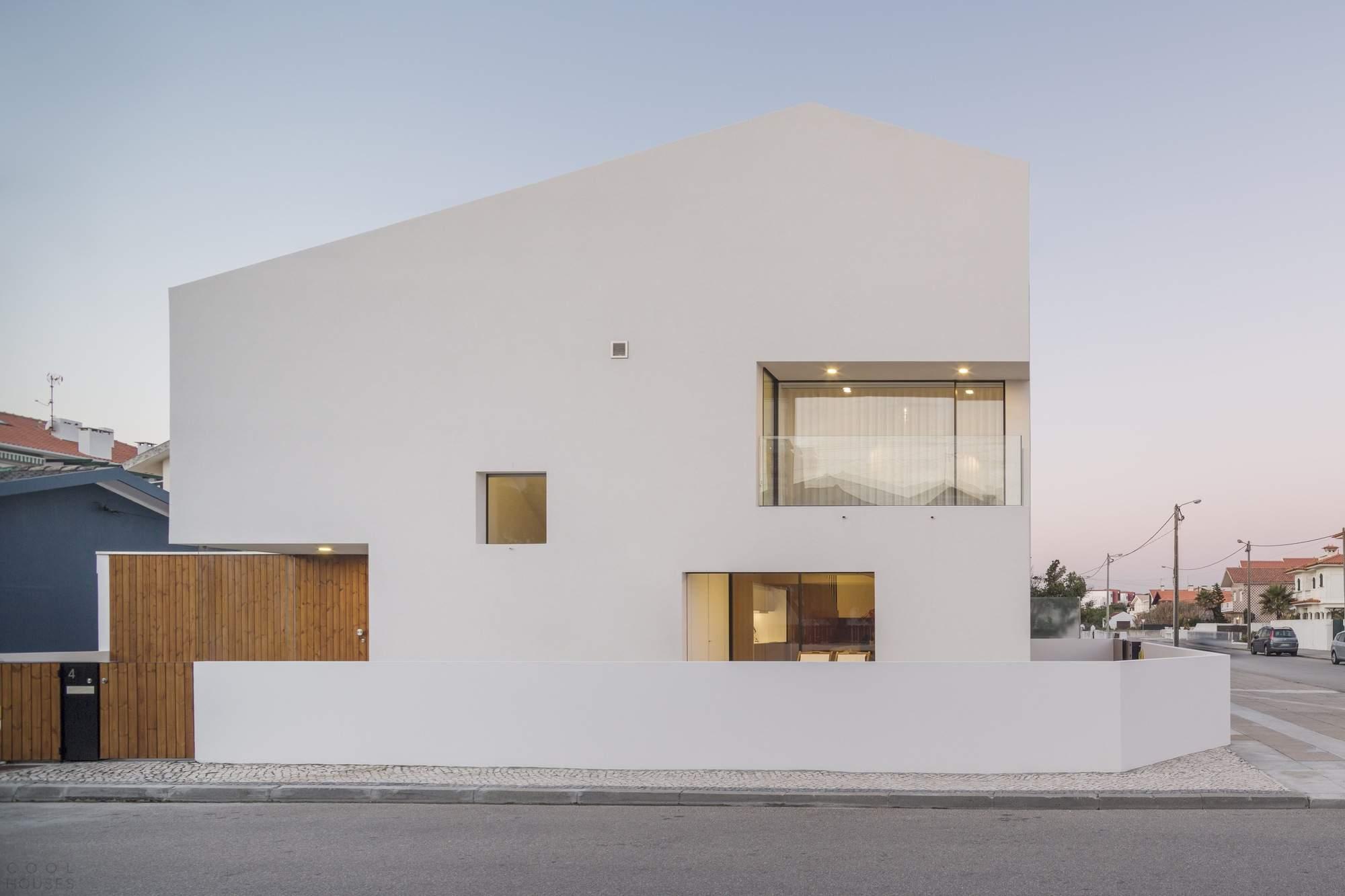 Минималистическая резиденция в Португалии