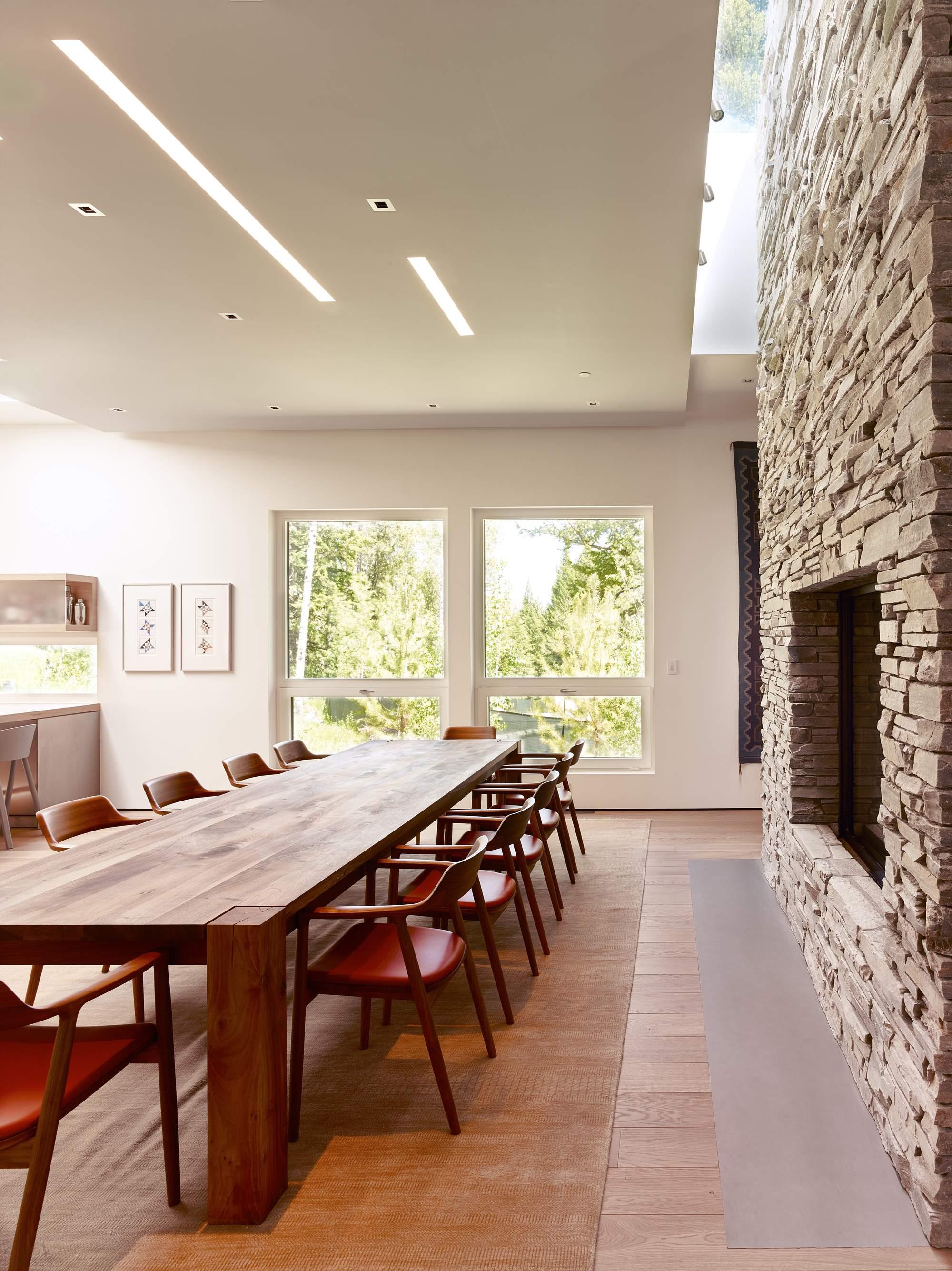 Семейная резиденция из камня и дерева в США