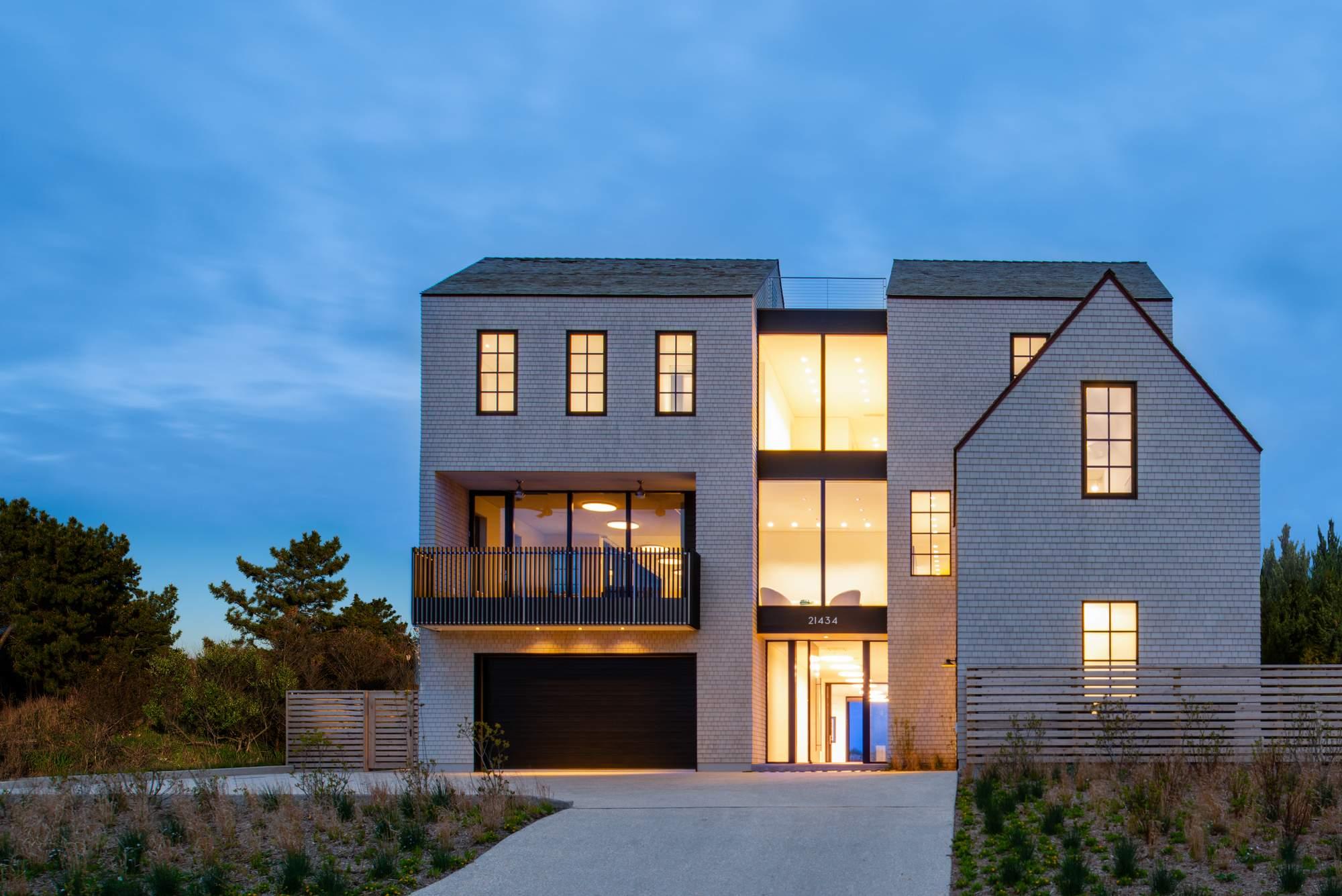 Большой семейный дом между океаном и озером, США