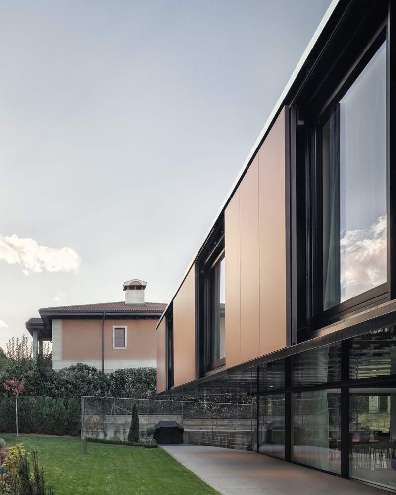 «Дом Затмения» в Софии, Болгария