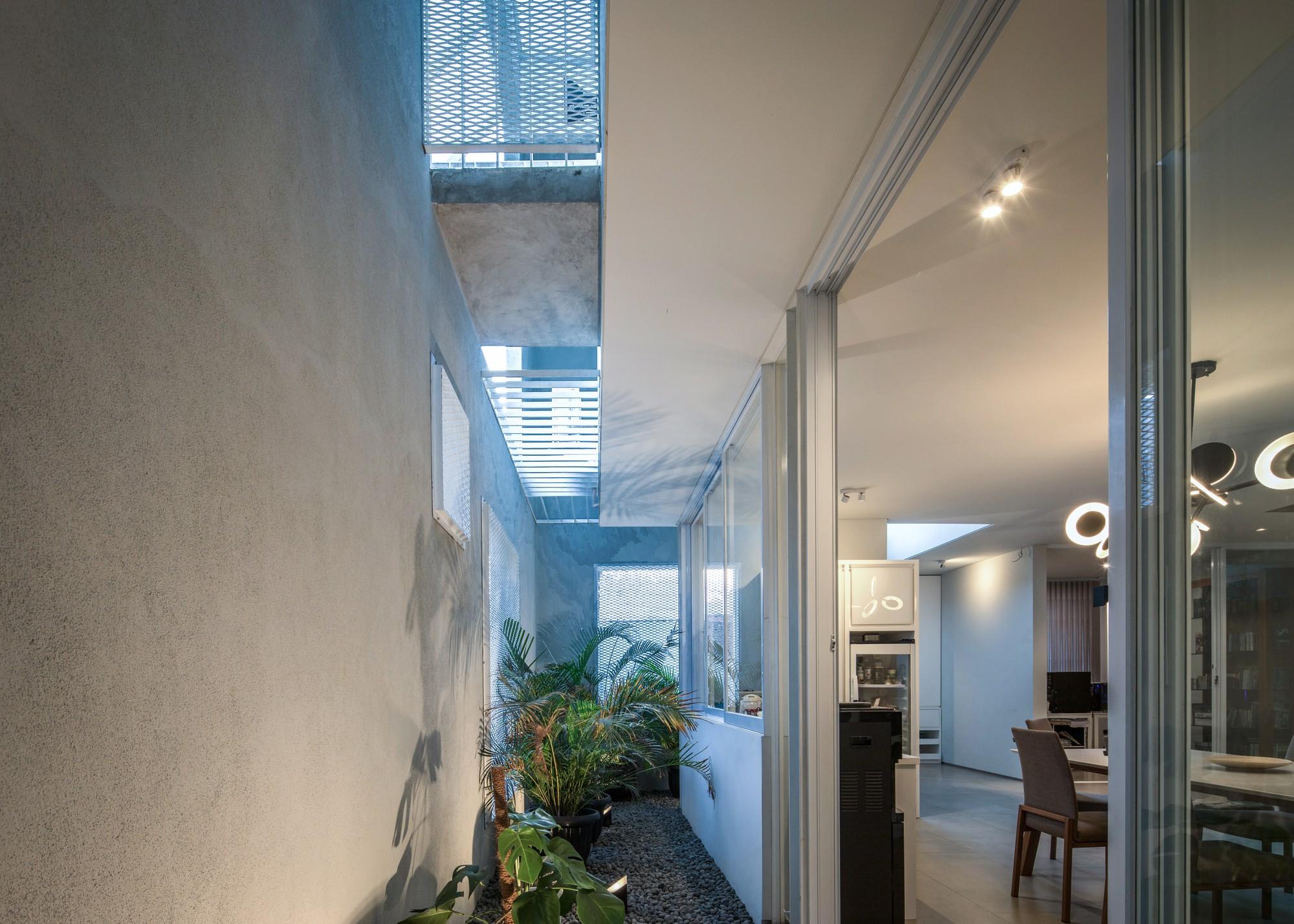 «Кубический Дом» с открытыми внутренними пространствами и роскошным атриумом
