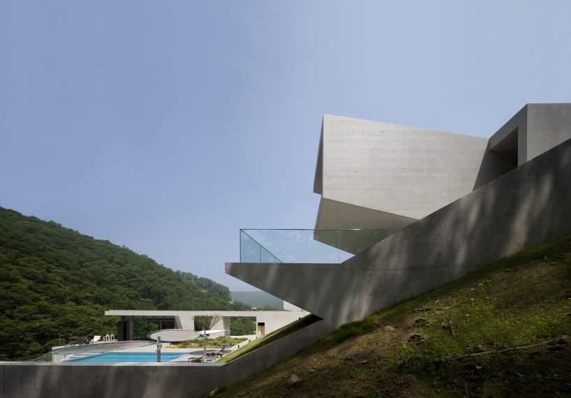 Бетонная резиденция Jeongja в Южной Корее