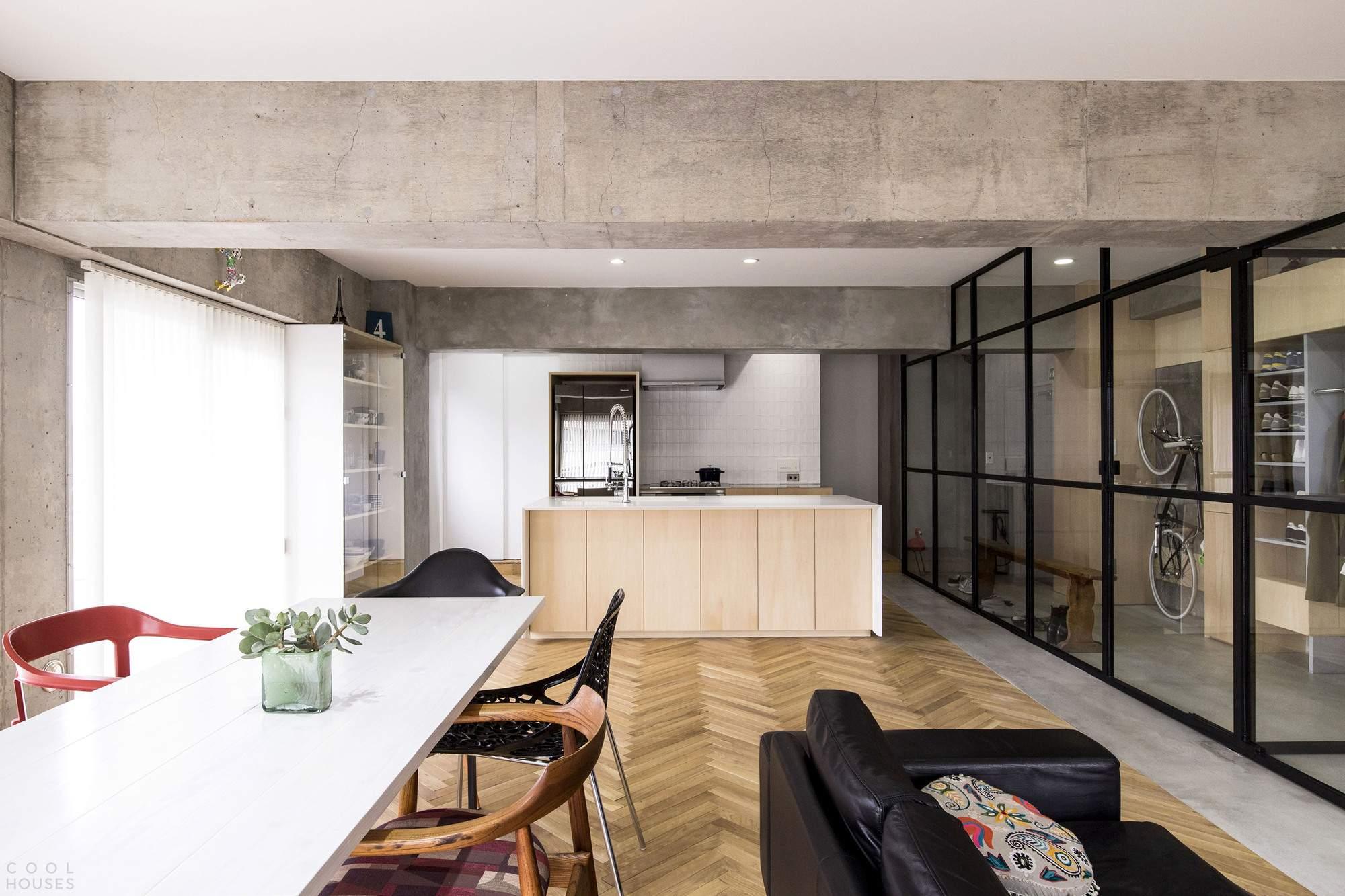 Реконструкция небольшой квартиры в Токио, Япония