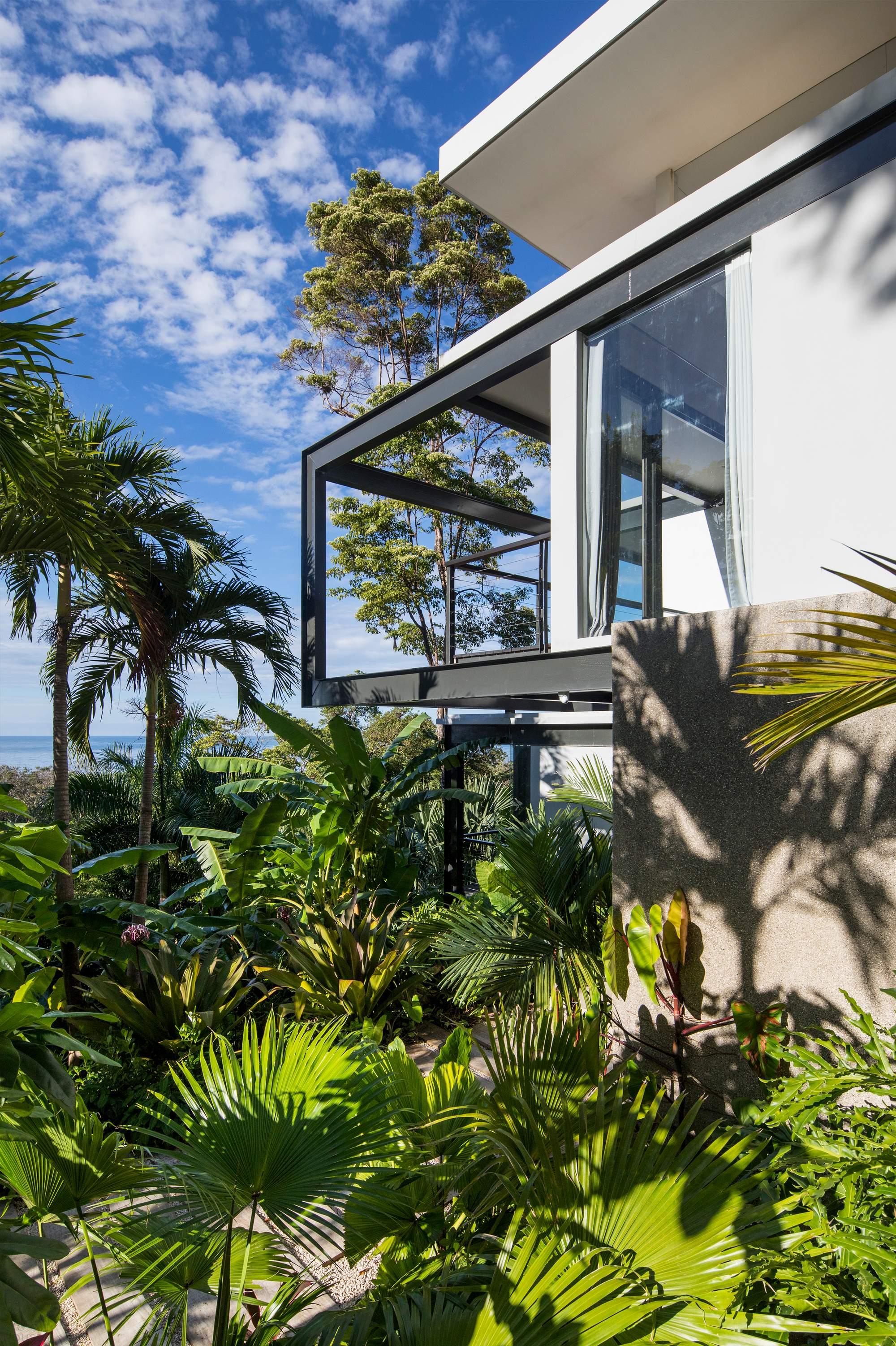 Роскошная вилла в тропическом лесу на берегу океана, Коста-Рика