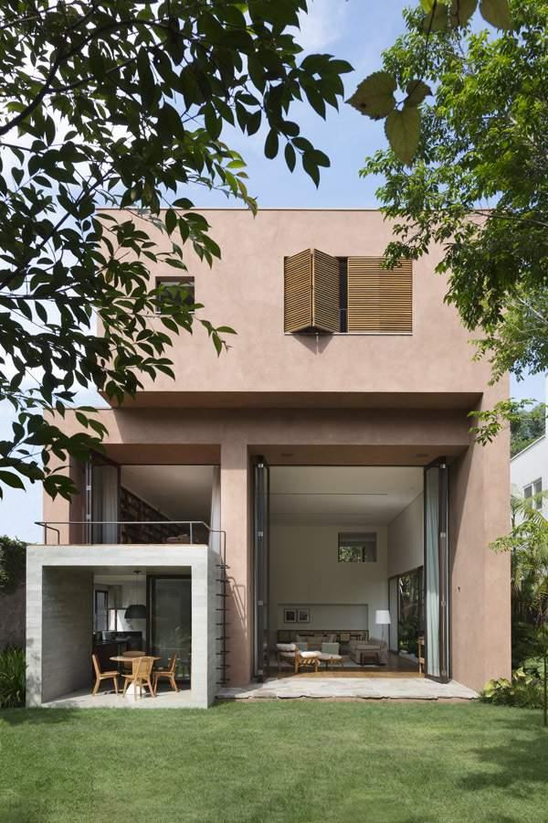 Яркий семейный дом в Бразилии