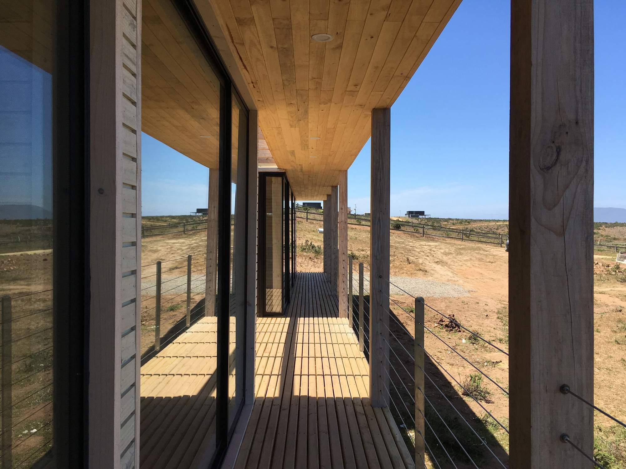 Дом-причал на берегу Тихого океана, Чили