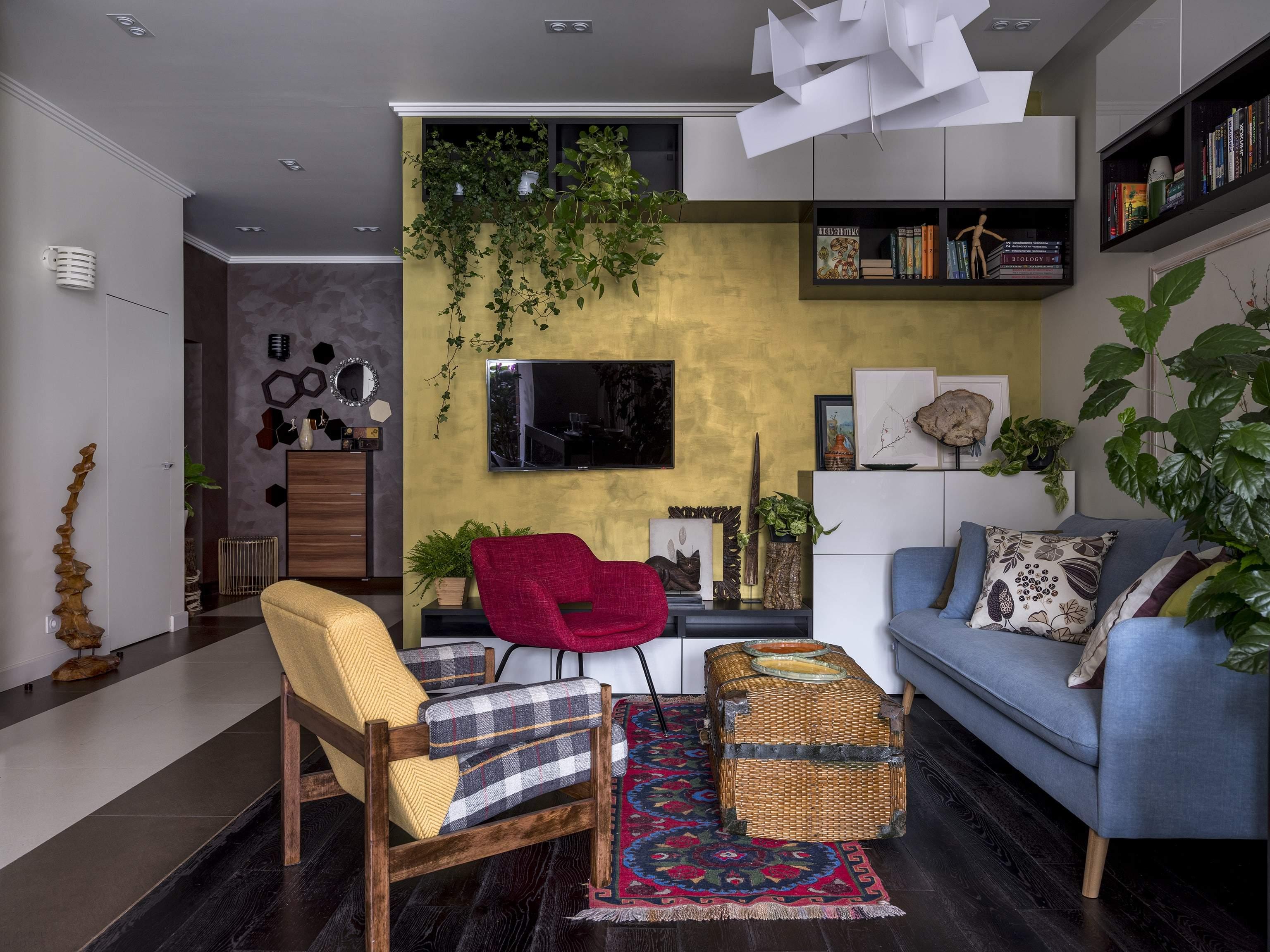 Современная квартира с ярким индивидуальным интерьером, Россия