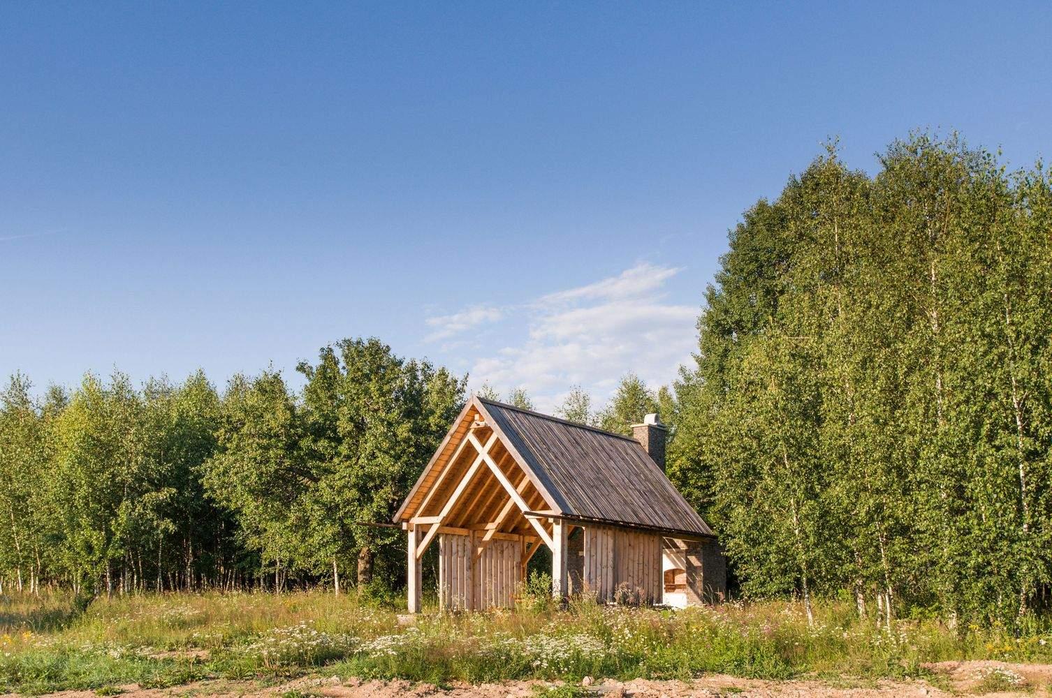 Домик на поляне со стильным панорамным остеклением, Румыния