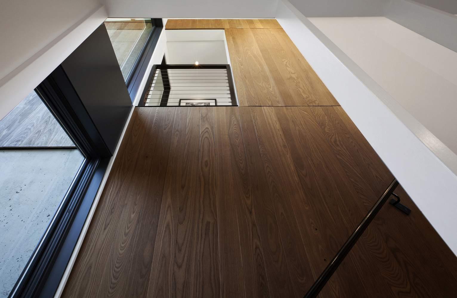 Энергоэффективный дом, одетый в термически модифицированный ясень, США