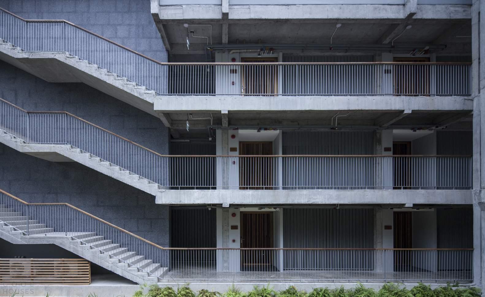 Курортный отель с длинными стильными балконами, Таиланд