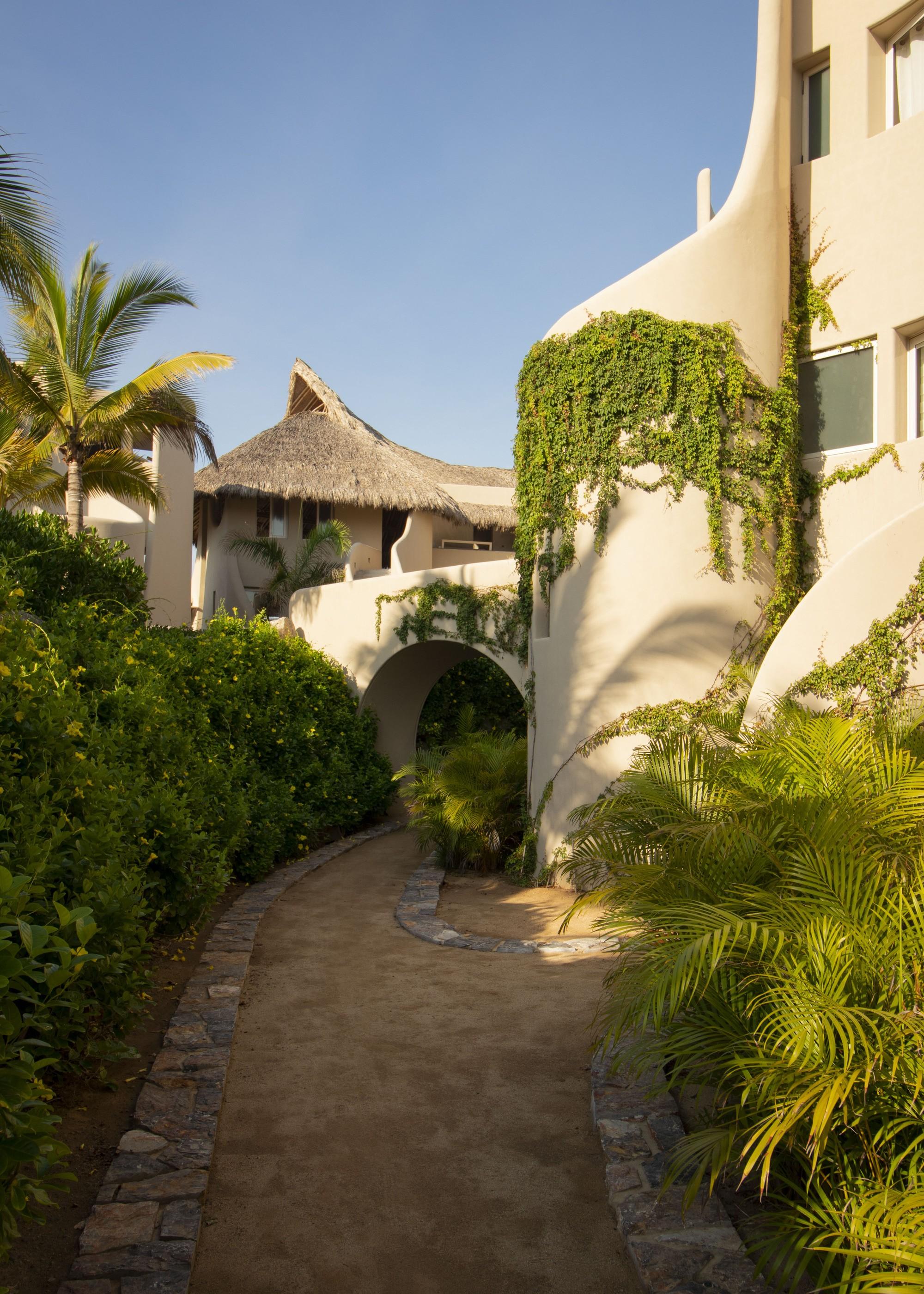 Роскошный жилой комплекс с креативным дизайном на побережье Тихого океана