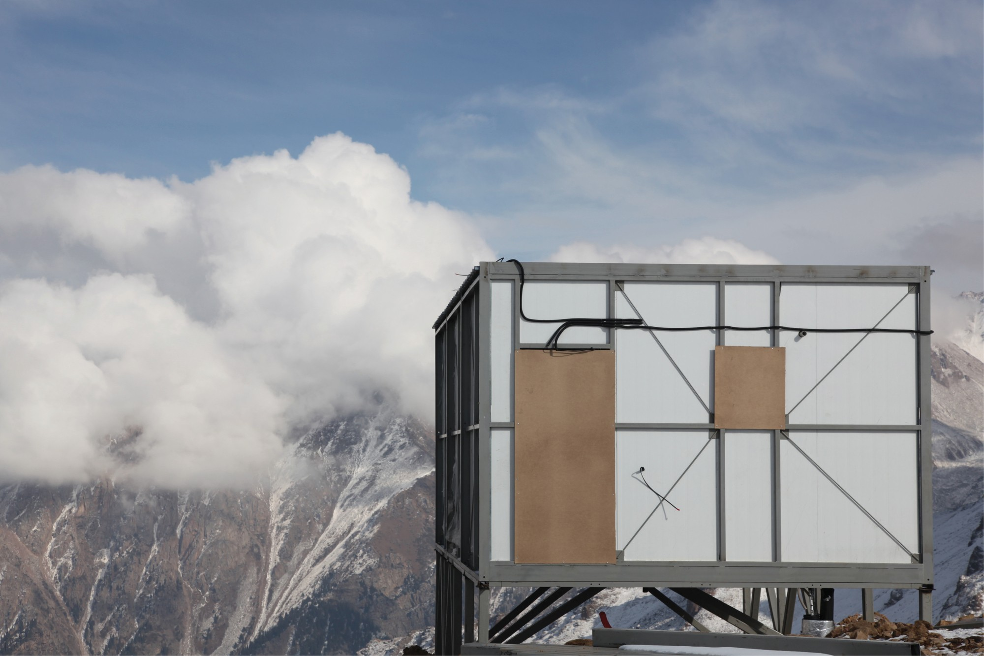 Модульный глэмпинг Tenir – один из самых высокогорных отелей в мире