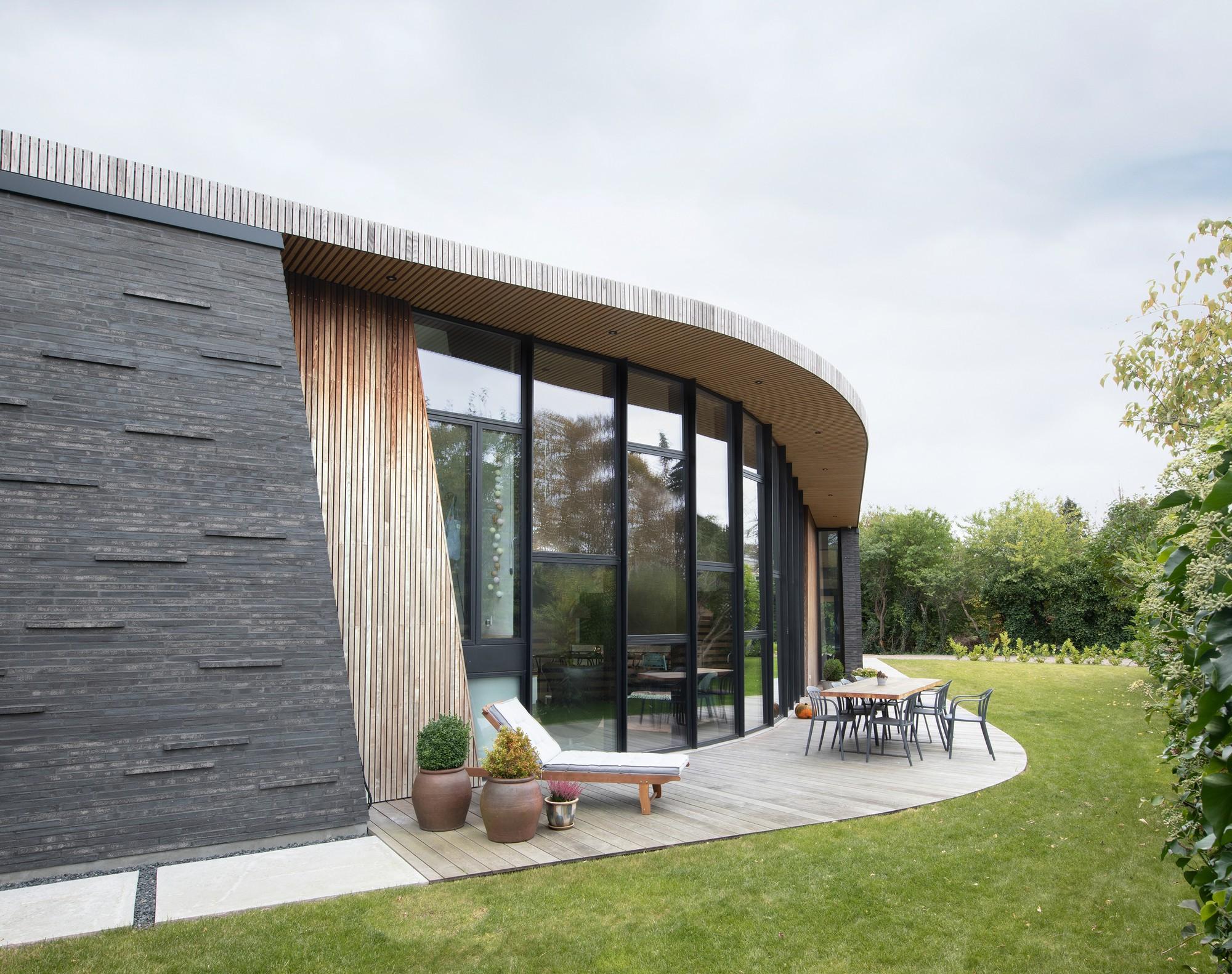 Дом Бумеранг с уникальным архитектурным дизайном
