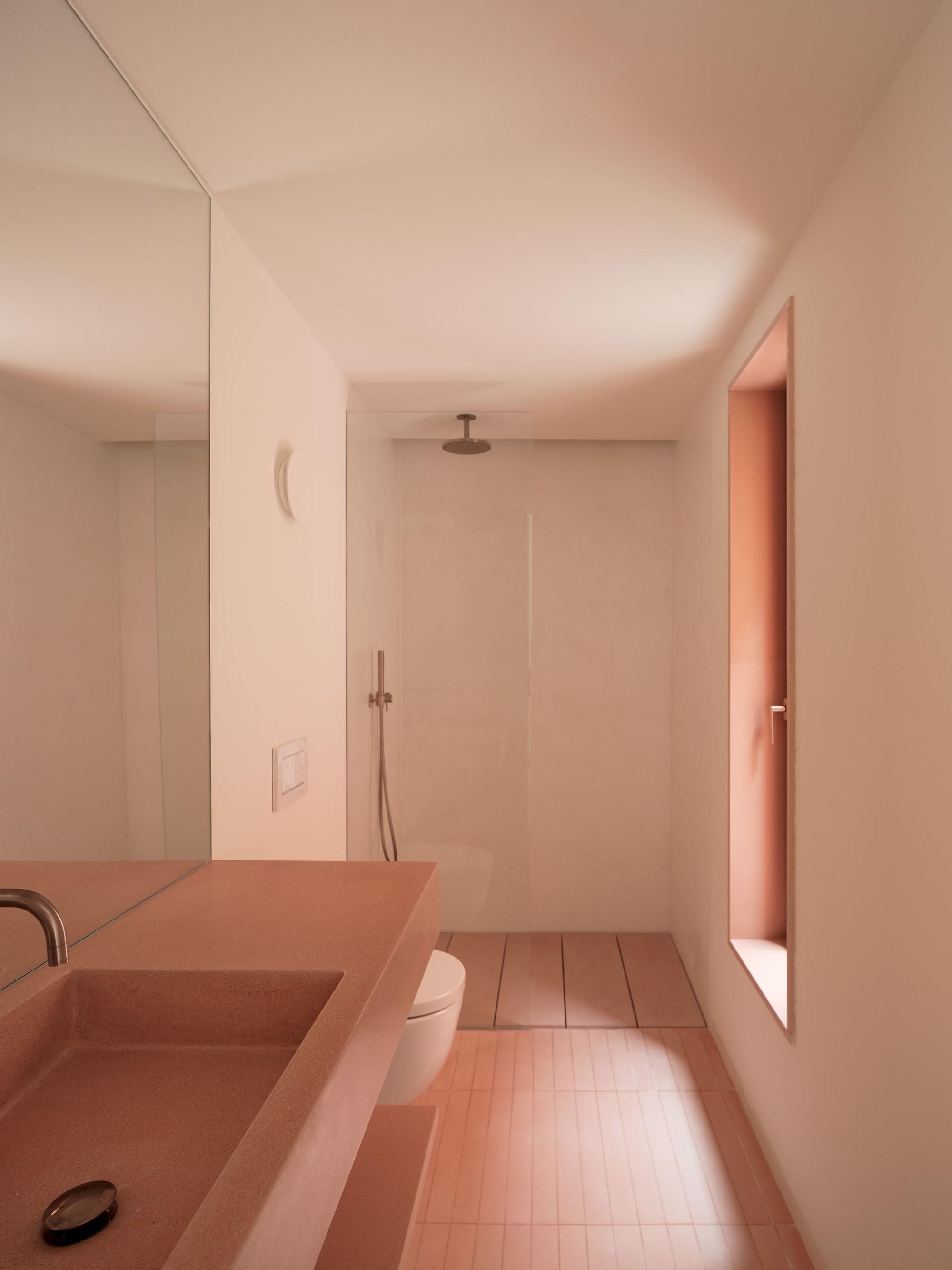 «Дом влюбленных» - текстурированное и красочное убежище Майорки
