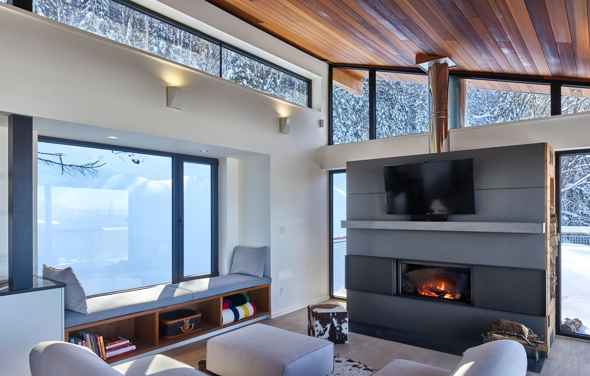 Современное лыжное шале в Канаде