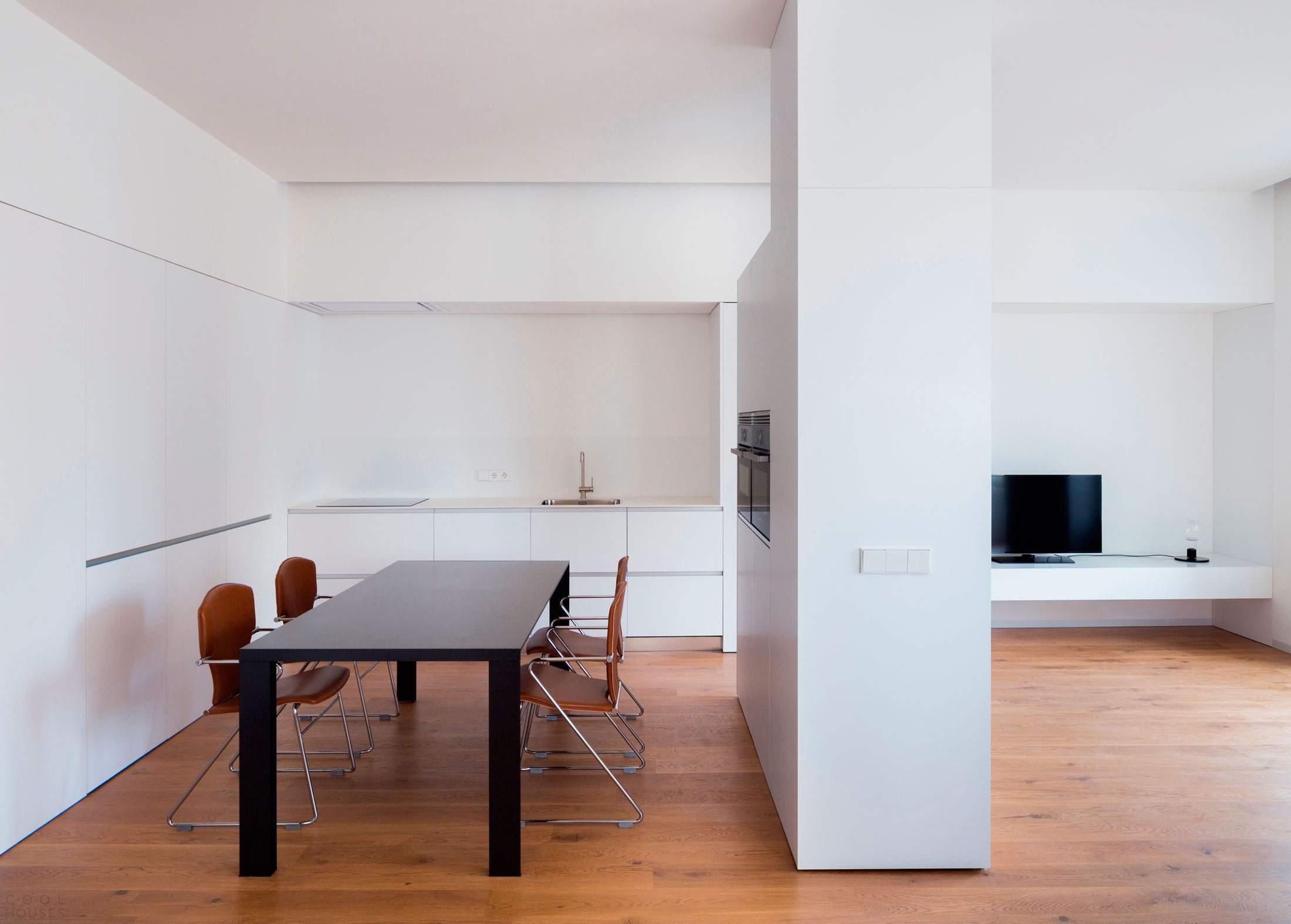 Современная квартира с минималистическим дизайном в Испании