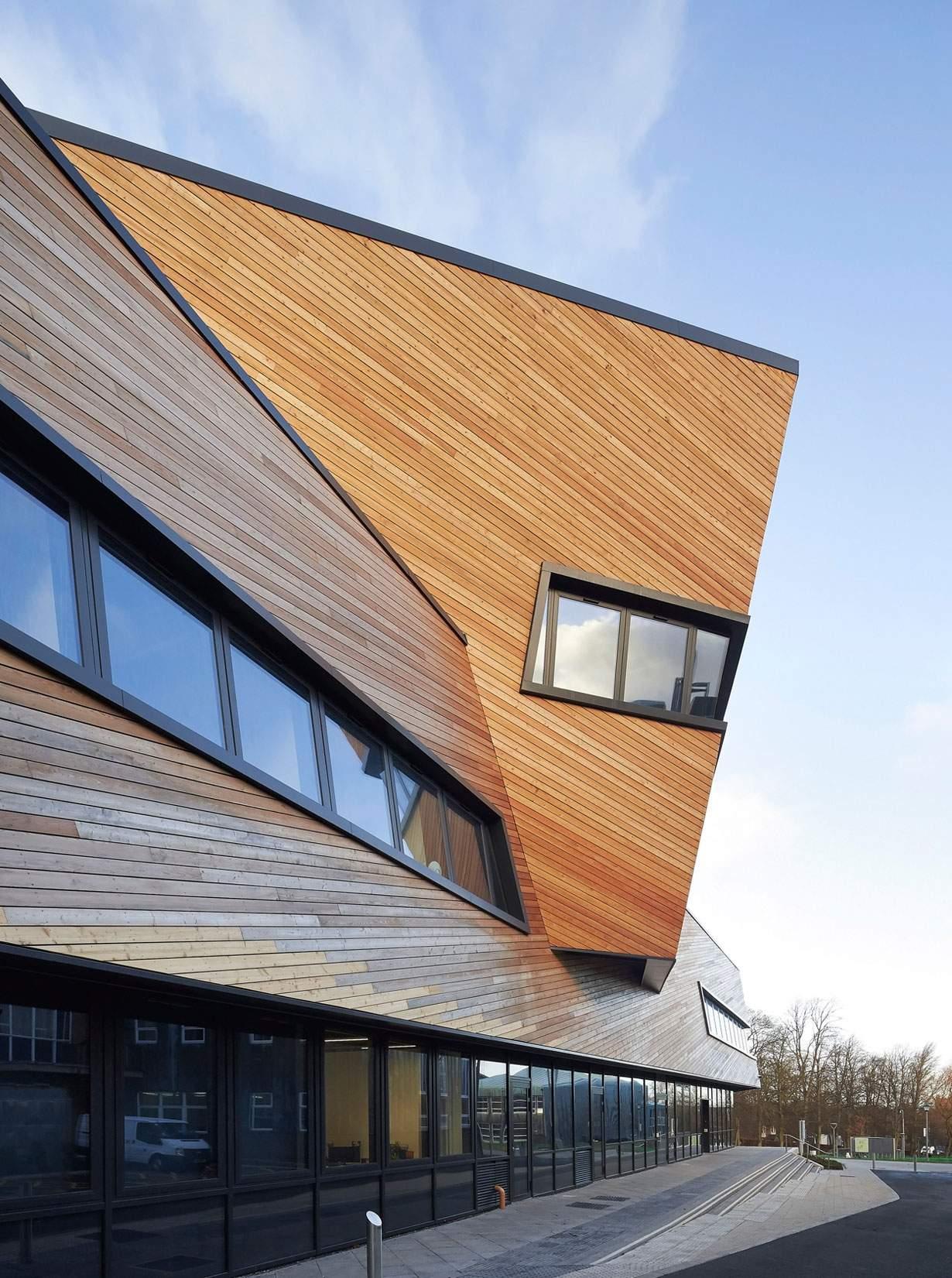 Уникальное здание нового научного Центра в Англии