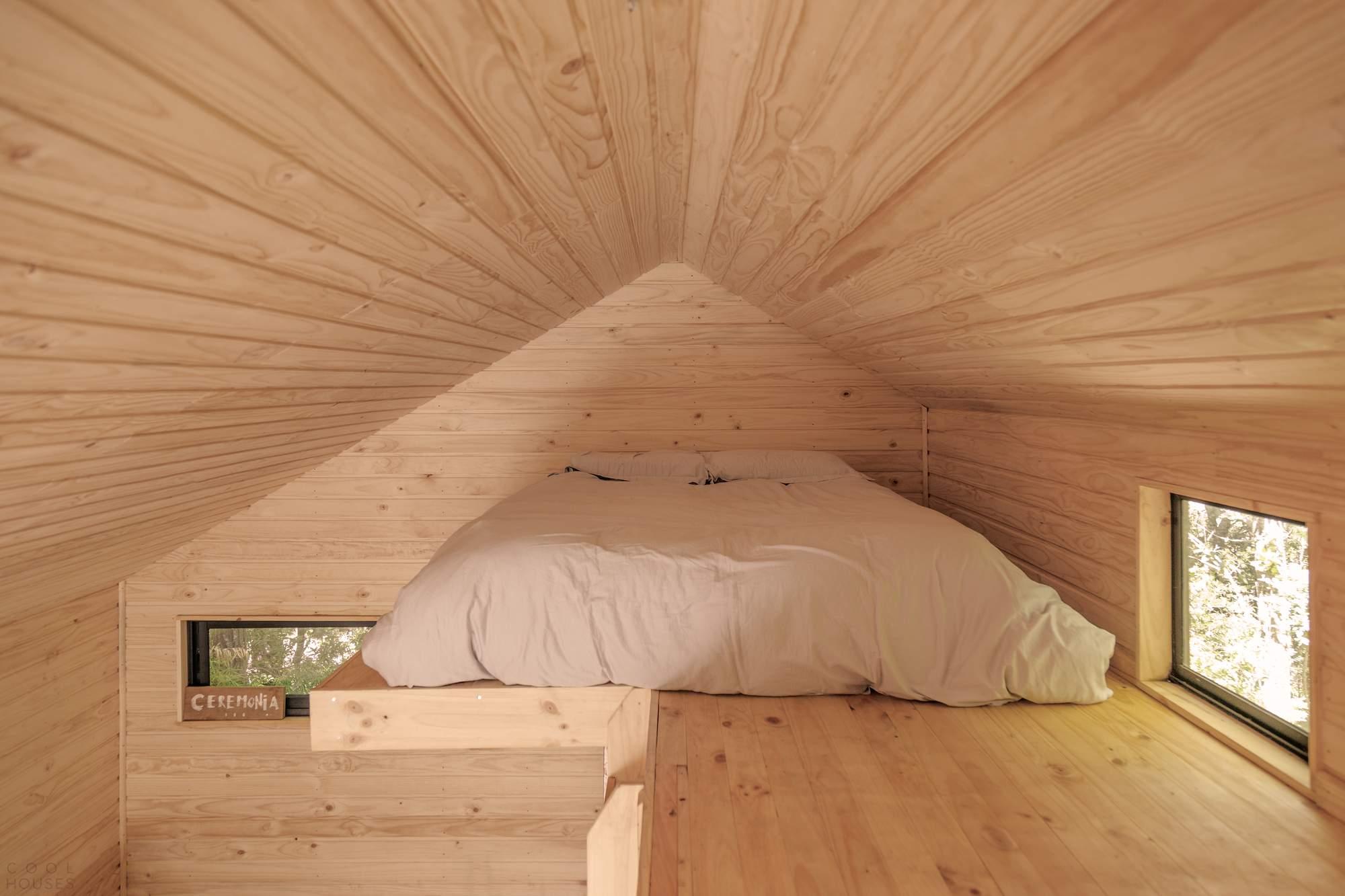Деревянный домик-кабина в горах Чили