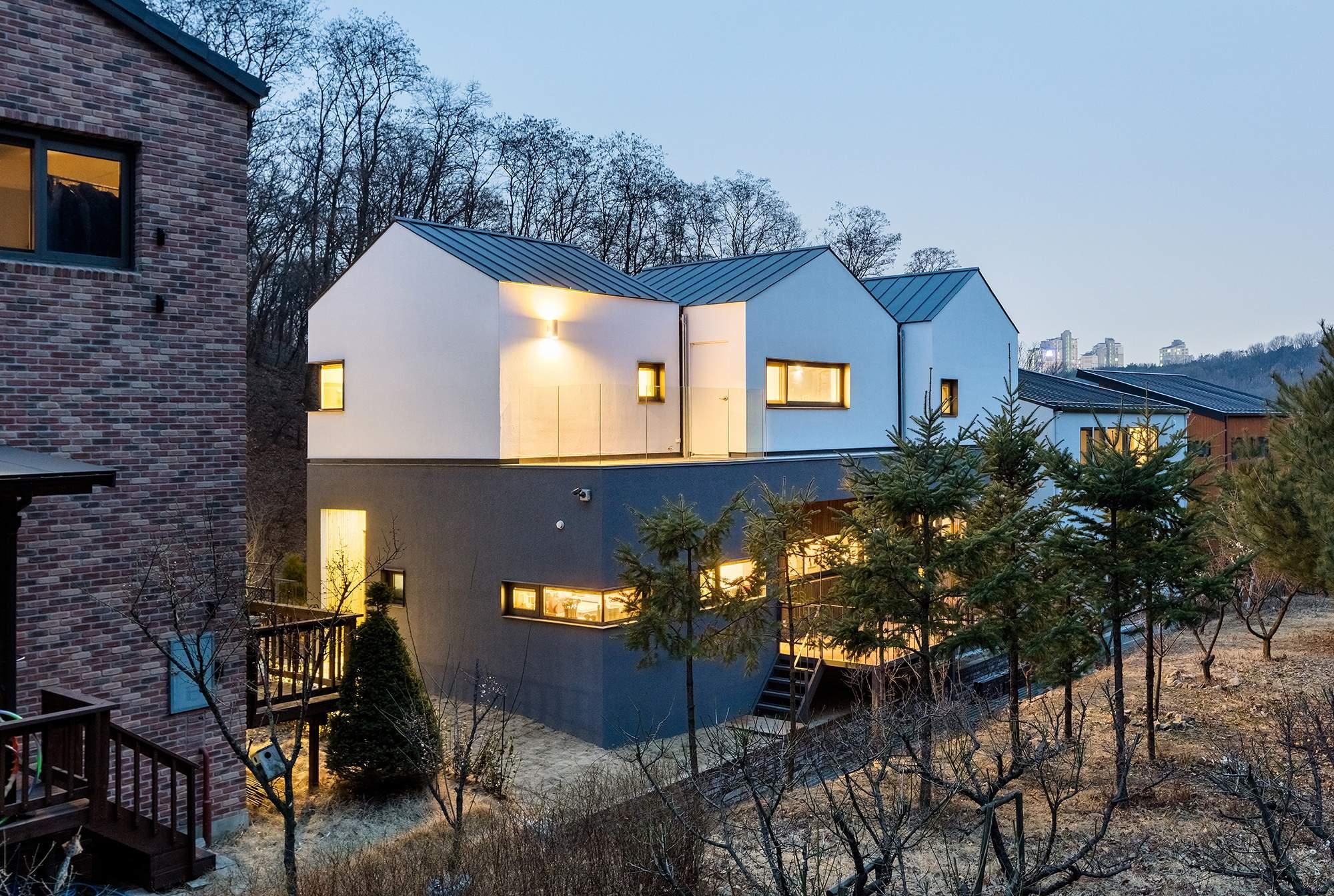 Дом с тремя крышами в Южной Корее