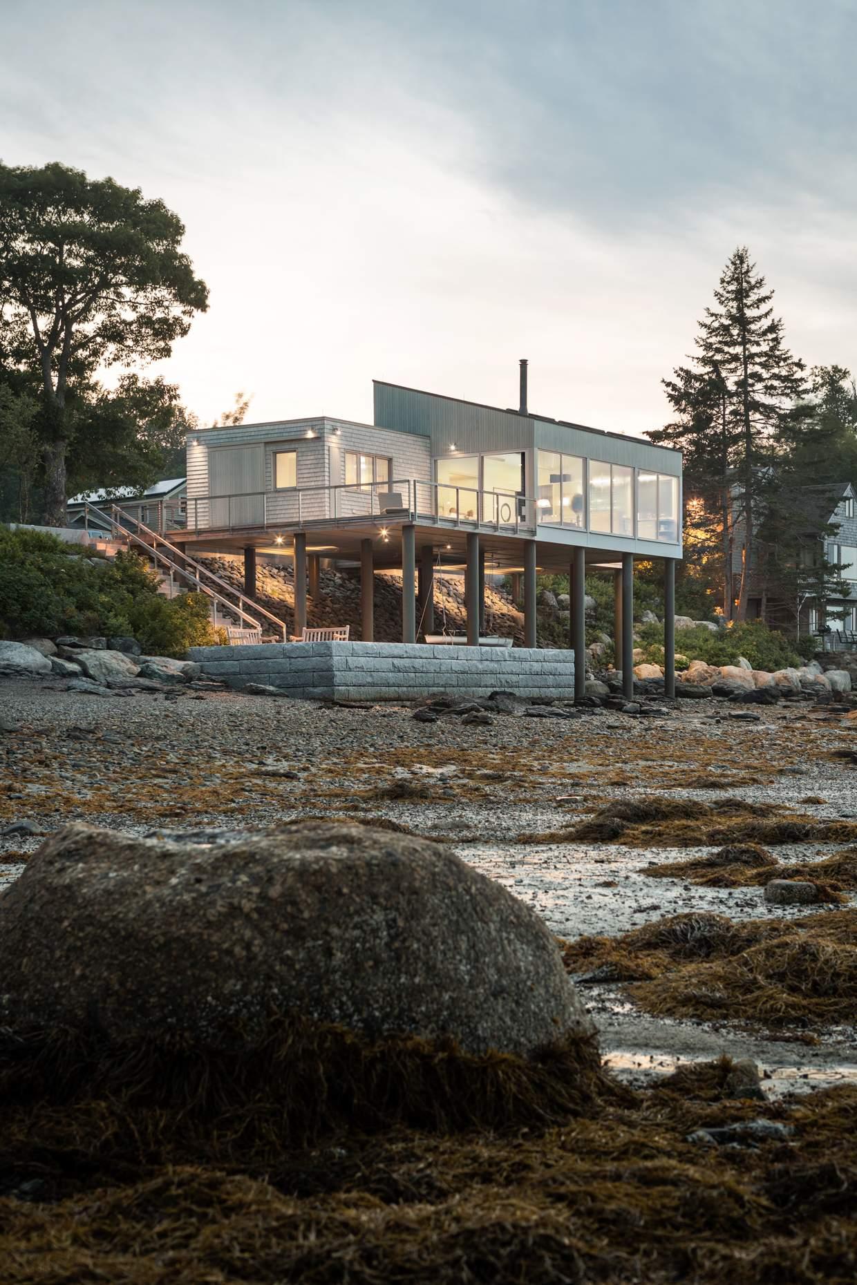 Консольный дом над морем, США