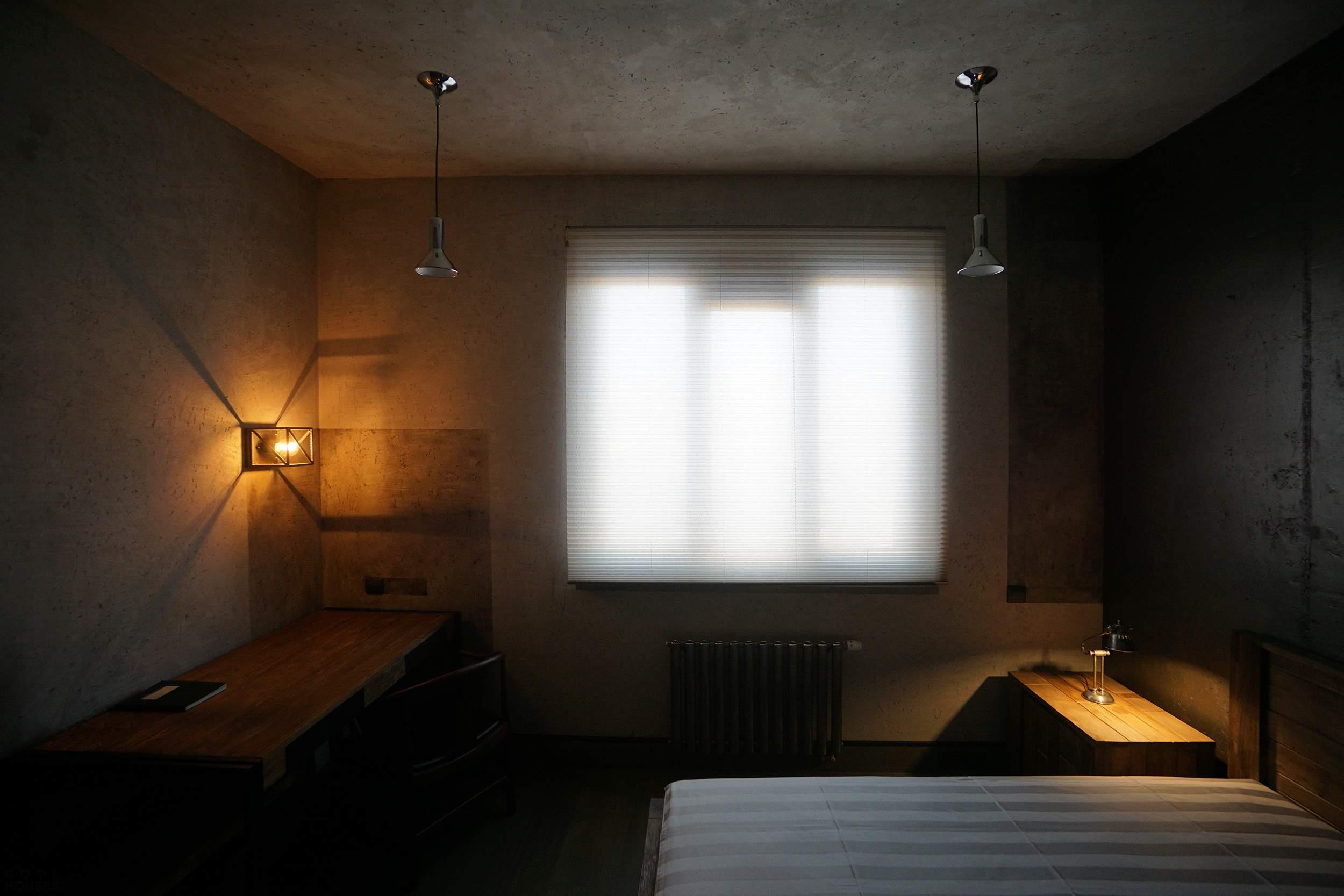 Квартира с суровым интерьером в Москве, Россия
