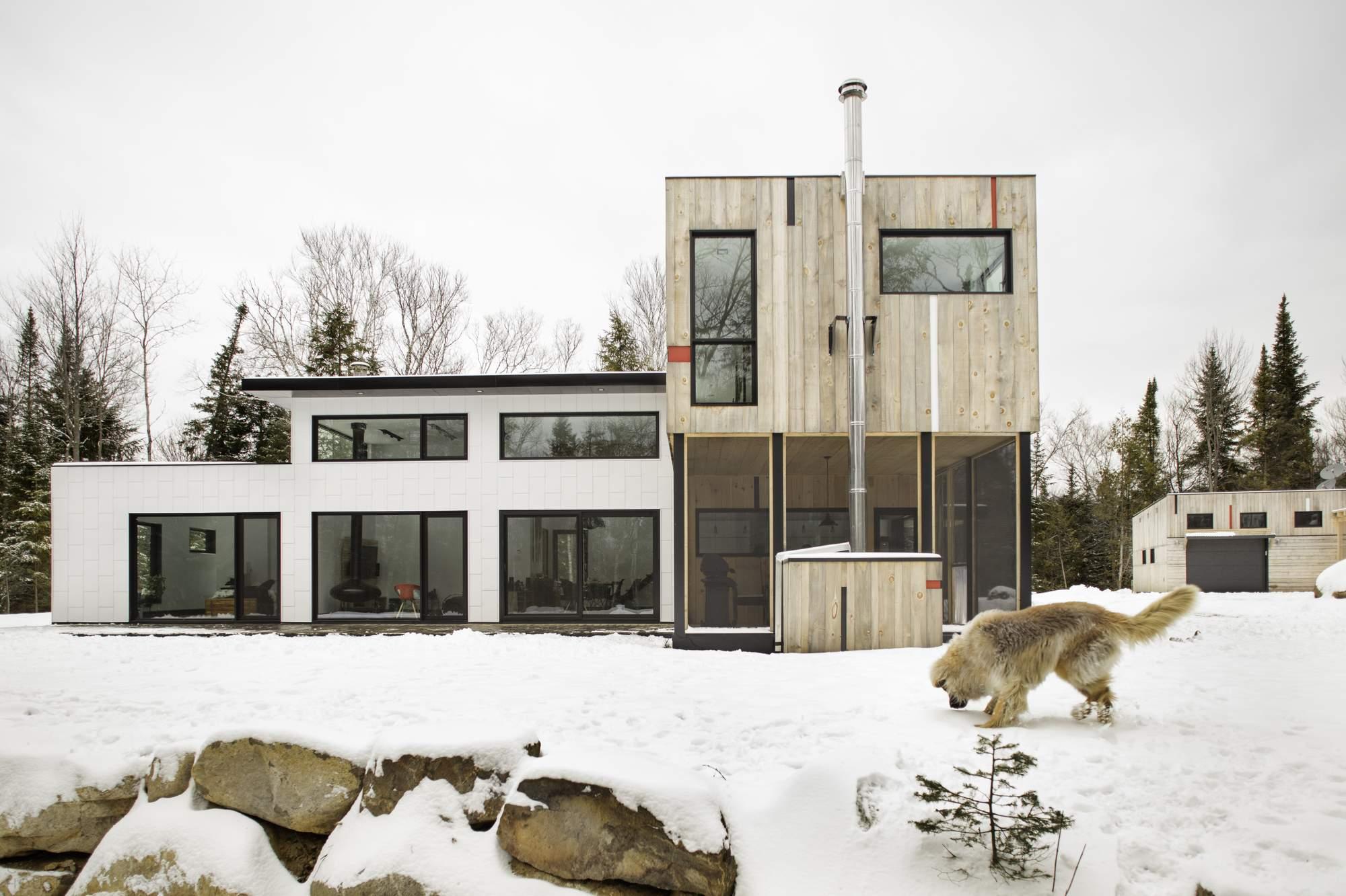 Загородный Т- образный дом в Канаде