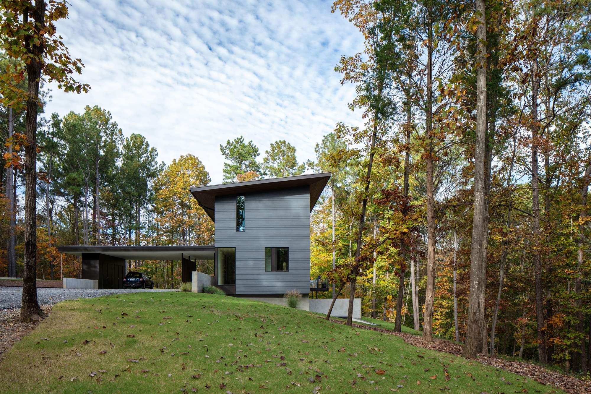 Семейная резиденция с видом на озеро, США