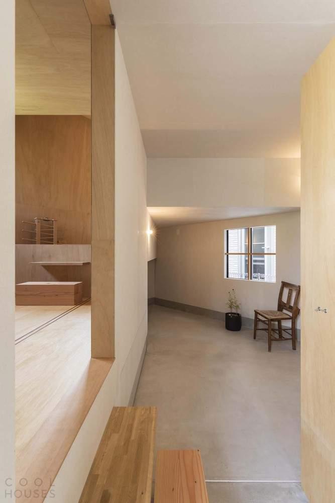 Дом-лабиринт с многоуровневым пространством, Япония