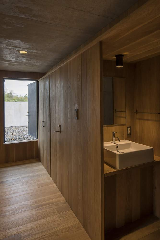 Современный бетонный дом в Японии