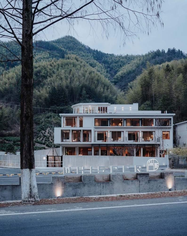 Трансформация старого отеля в современный гостевой дом, Китай