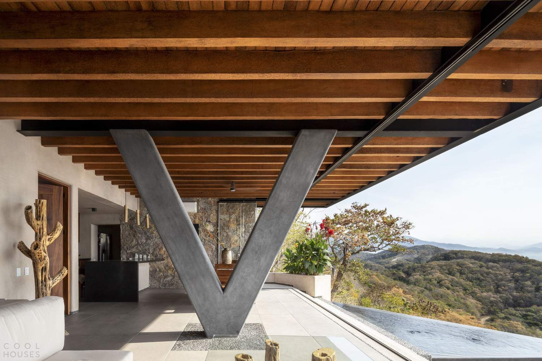 Вилла с панорамной террасой и активным фасадом, Мексика