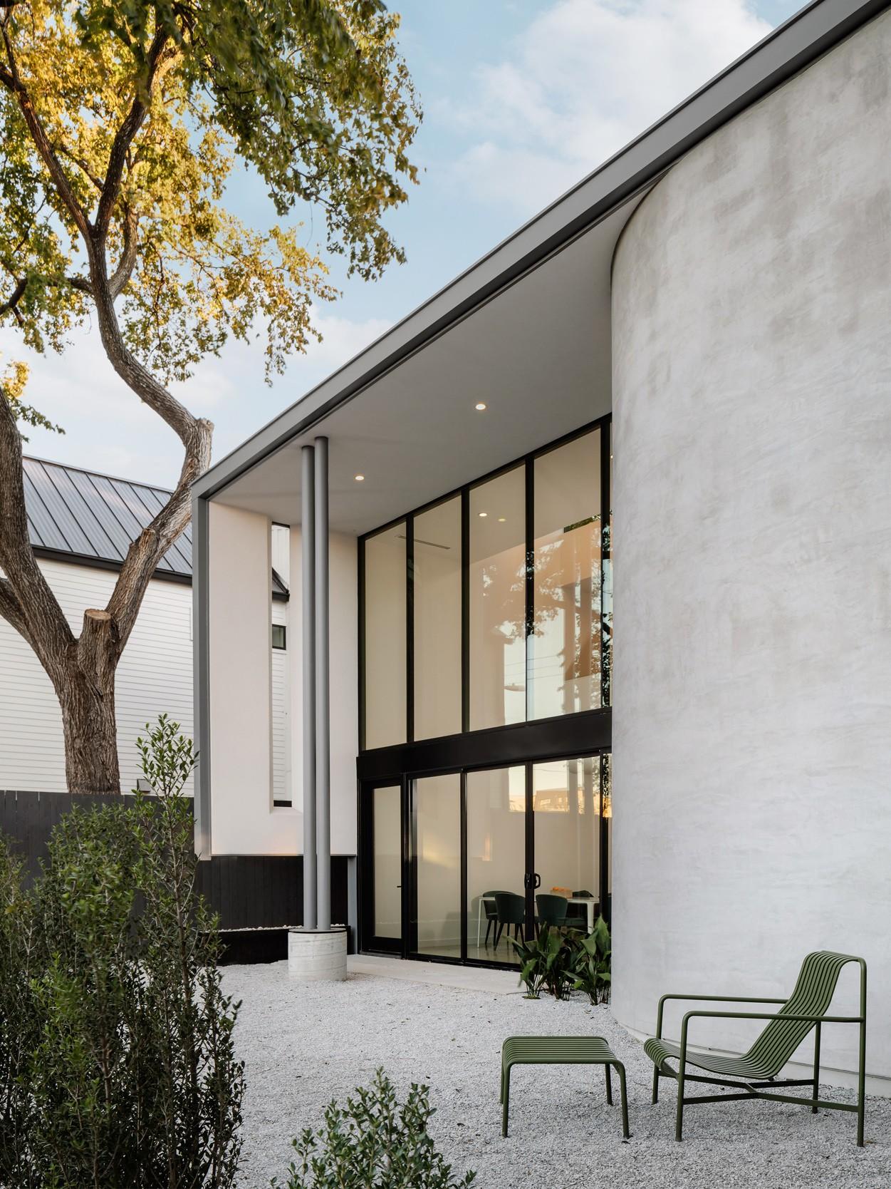 Семейная резиденция - городское убежище с эффектным дизайном